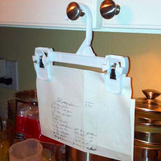 Use a hanger as a recipe holder