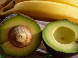 Ripen an Avocado quickly by storing it with a Banana