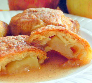 Apple Pie Crescent Wraps