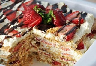 No Bake Strawberry Cake